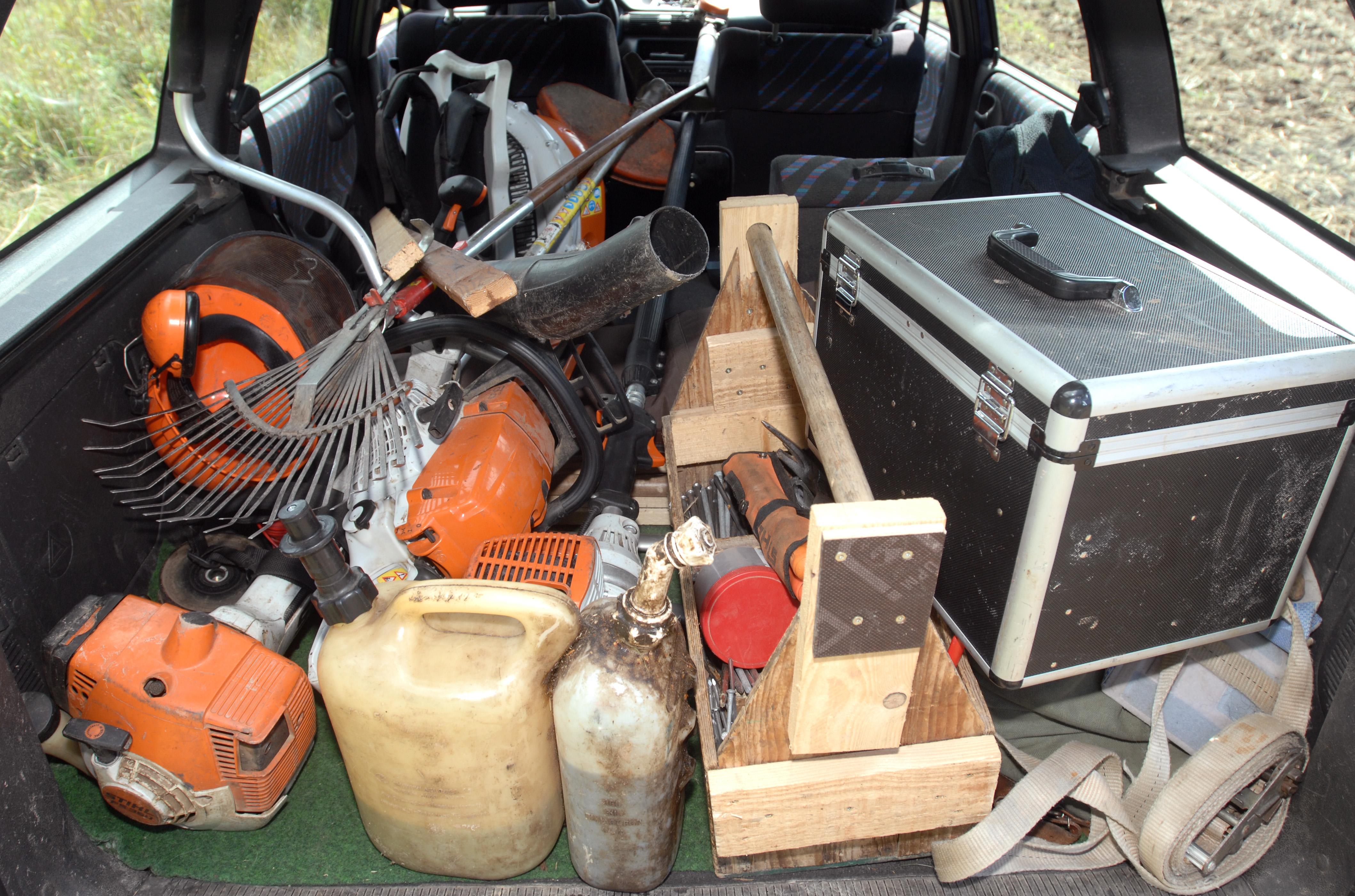 Werkzeuge im Auto